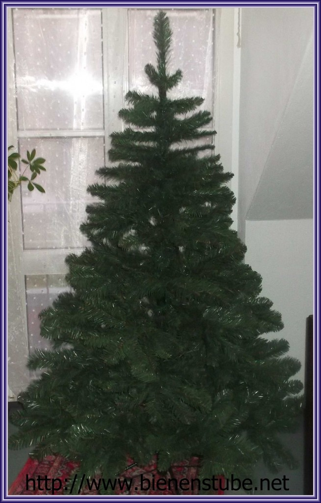 weihnachtsbaum echt oder k nstlich bienenstube. Black Bedroom Furniture Sets. Home Design Ideas